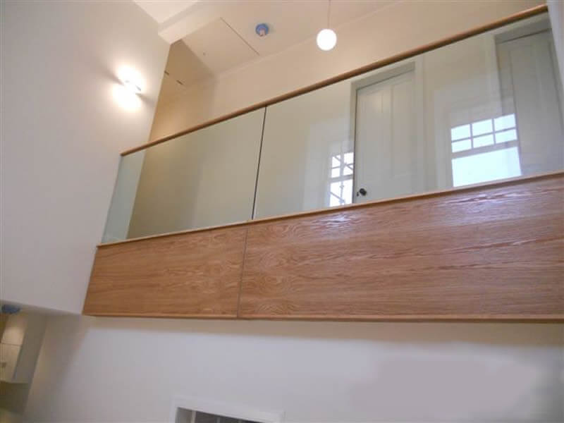 Internal glass balustrade